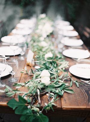 rustic-wedding-table-garland3