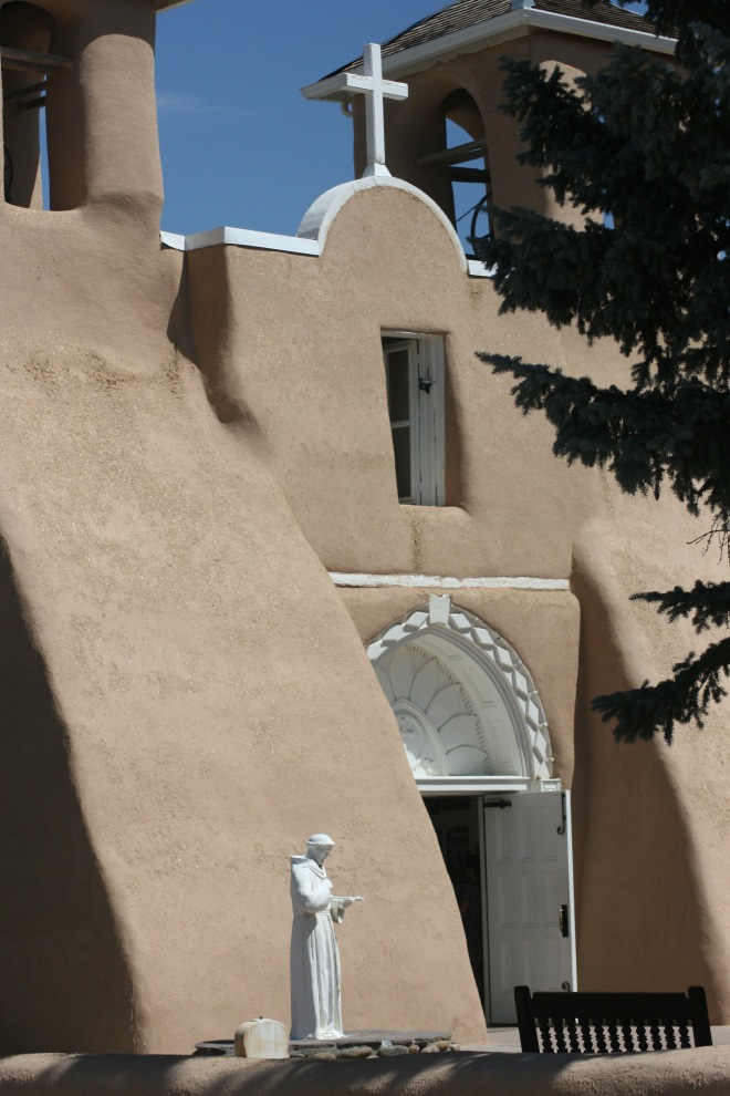 san francisco de asis mission church in taos, nm
